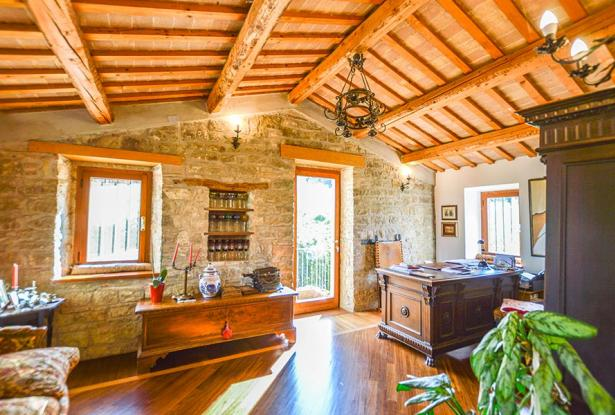 Cozy Stone Farmhouse With Outbuildings in the Marche hills 17