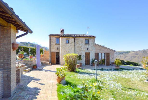 Cozy Stone Farmhouse With Outbuildings in the Marche hills 6