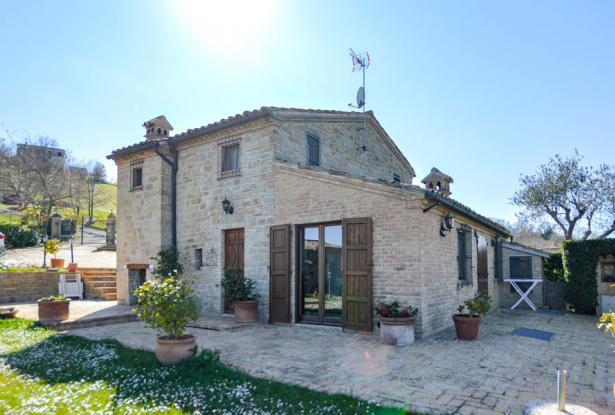 Cozy Stone Farmhouse With Outbuildings in the Marche hills 7