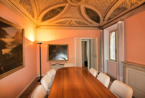 Modena, office/apartment with large spaces 20