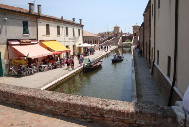 Comacchio - Ferrara, townhouses with canal view for sale - ref.02e 5