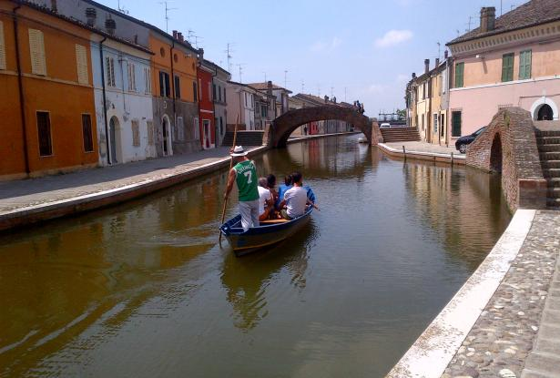 Comacchio - Ferrara, townhouses with canal view for sale - ref.02e 7