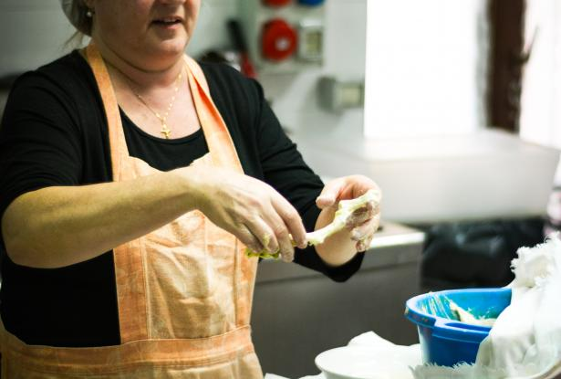 Learn to cook amazing Italian food with our Mamma!