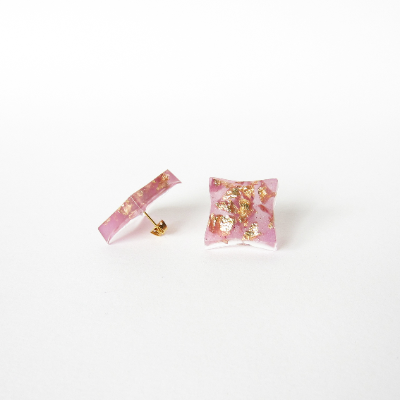 RADIANT ORCHID gold earrings 2