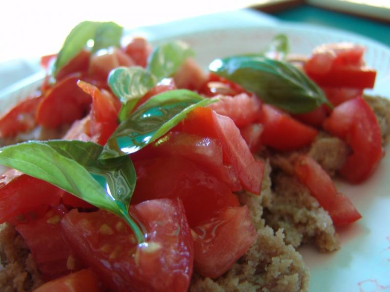 Bread and tomato salad