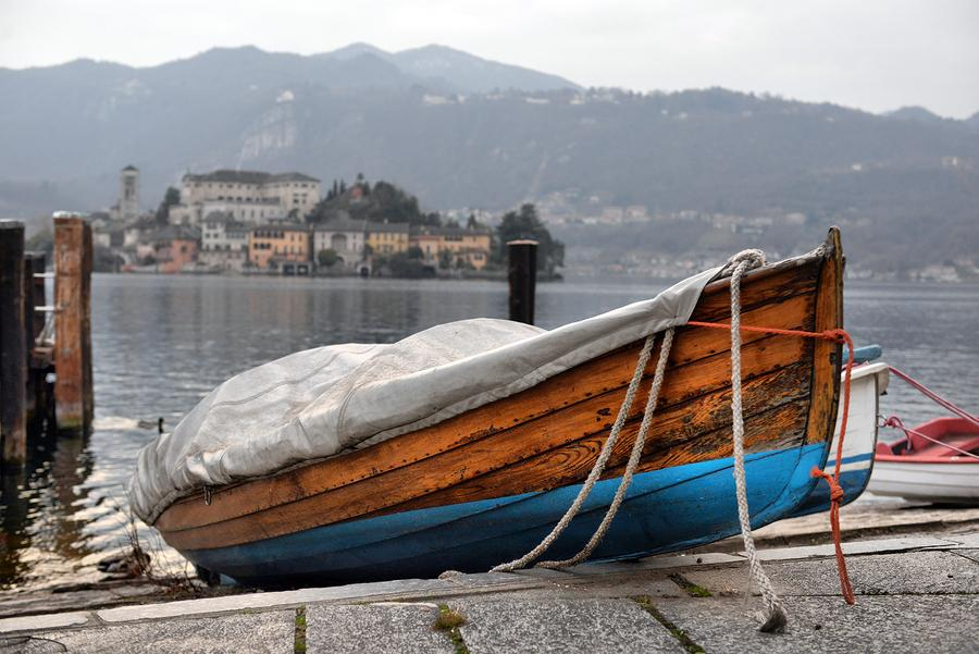 Orta Lake landscape: Orta San Giulio village, island Isola S.Giulio and Alps mountains view.