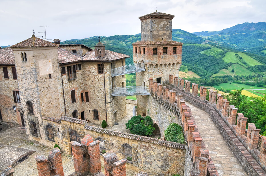 must see villages in Emilia-Romagna